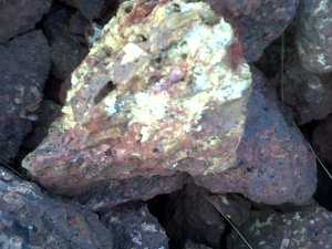Bauxite Ore Lumps of Cement Grade