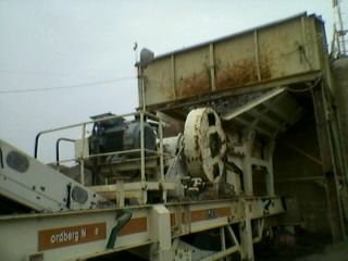 Wheel mounted Used mobile crusher for Sale